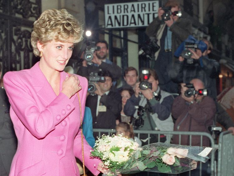 The odds on the baby being named Diana are currently 25/1