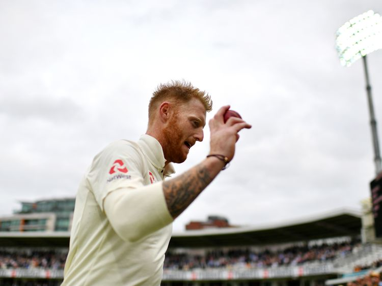 LONDON, ENGLAND - SEPTEMBER 07:  Ben Stokes of England acknowledges the crowd as he leaves the field after taking six wickets during day one of the 3rd Inv