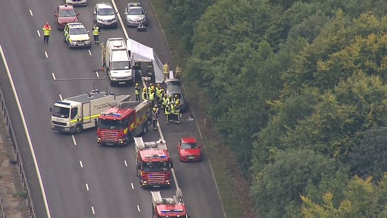 M1 motorway shut between Northampton and Milton Keynes after