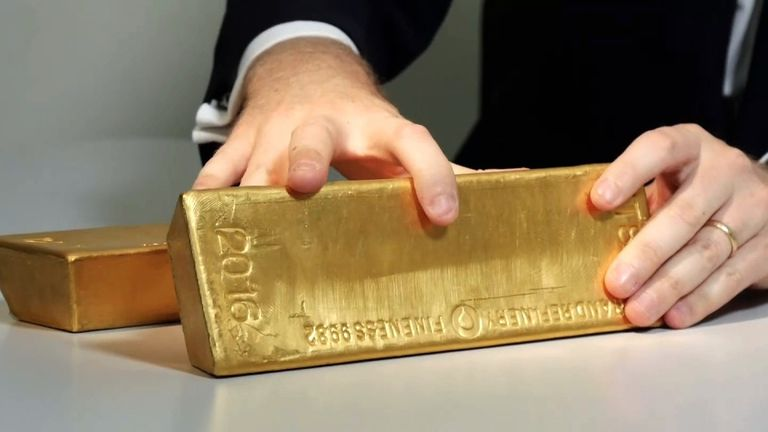 A single gold bar is worth around £400,000