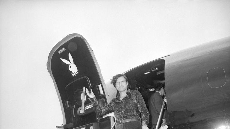 Hefner arrives at Heathrow Airport in August 1971