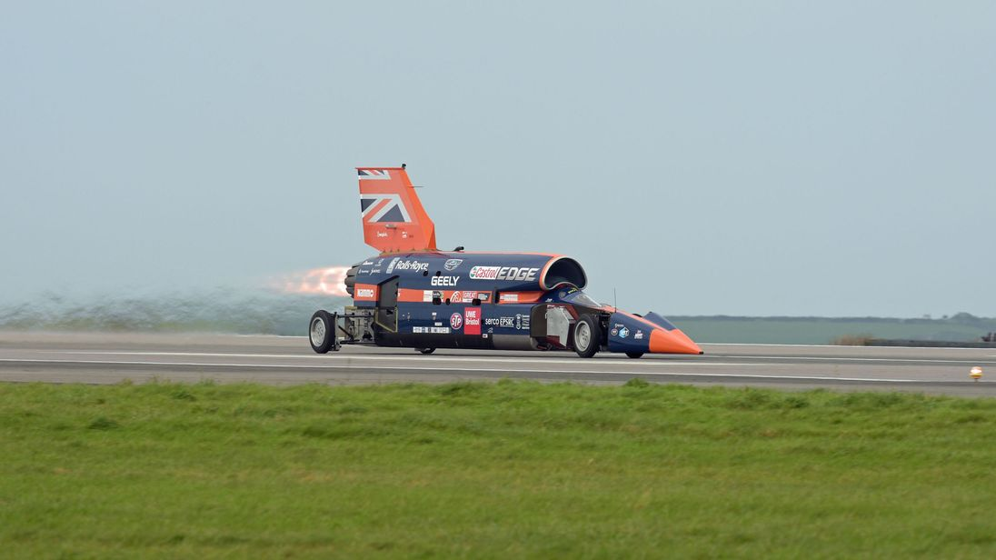 Supersonic Bloodhound car in first public test before world record ...