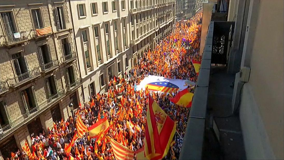 Thousands of people in Barcelona marched to support staying with Spain