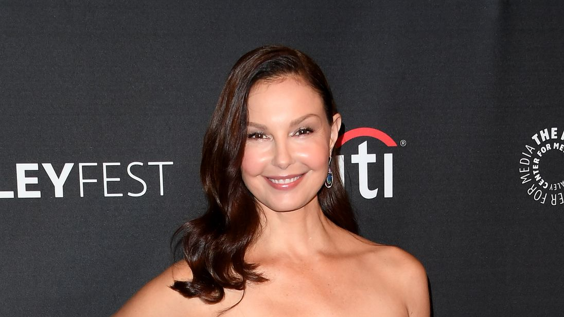 Actress Ashley Judd arrives on the red carpet for the EPIX 'Berlin Station' preview at The Paley Center for Media in Beverly Hills, California, on September 16, 2017. / AFP PHOTO / Mark RALSTON (Photo credit should read MARK RALSTON/AFP/Getty Images)