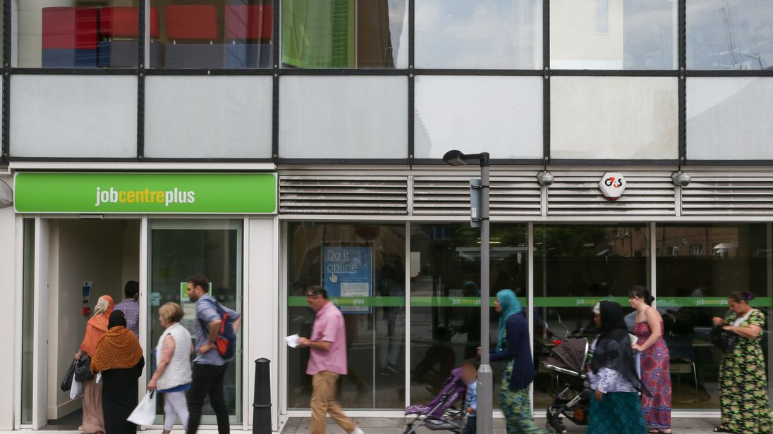 Job centres in London Finding your local job centre can be a difficult task, so we've done all the hard work for you. We've got all the handy information you'll need to contact your local job centre in London.