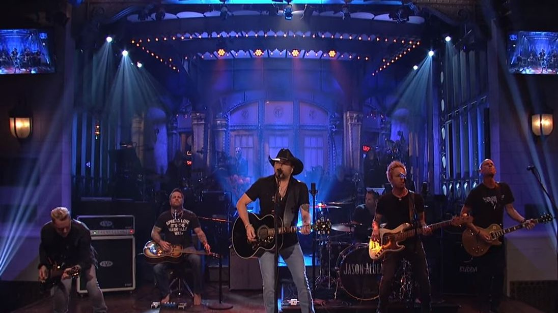Jason Aldean covered Tom Petty's I Won't Back Down. Pic: Saturday Night Live