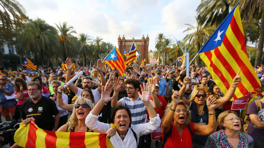 Catalan separatists demonstrate in Barcelona