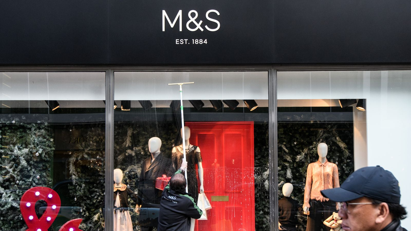 M&S to name Singer as new finance chief
