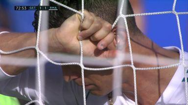 Ronaldo misses sitter