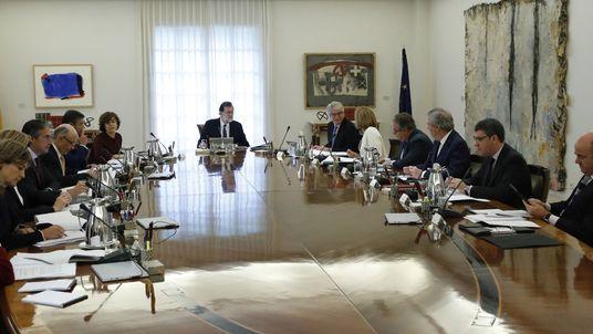 Spain's cabinet meets