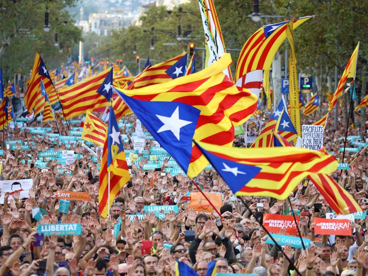 Hundreds of pro-independence supporters demonstrate in Barcelona