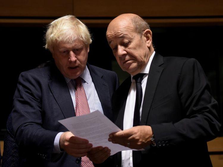 Brexit bill on menu as Davis set for Paris talks
