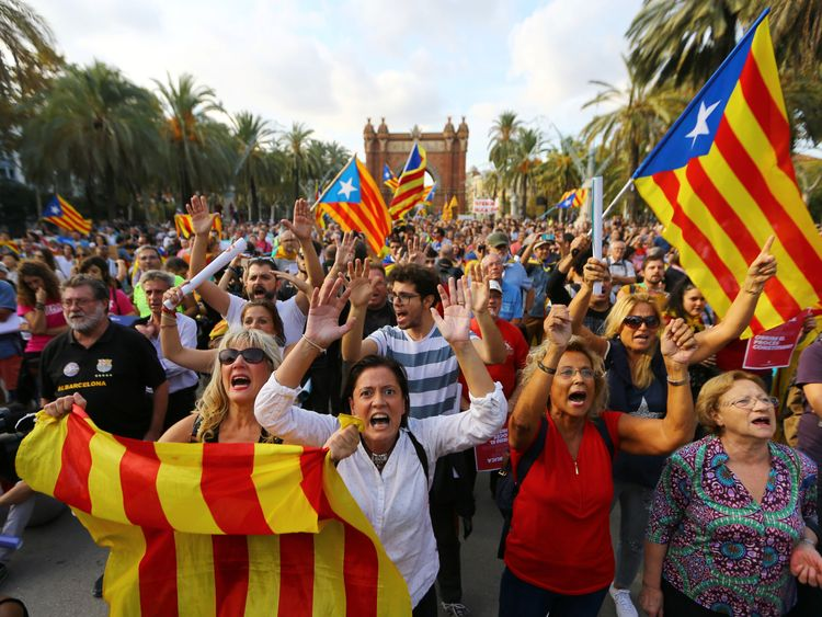 Catalan separatists demonstrate in Barcelona