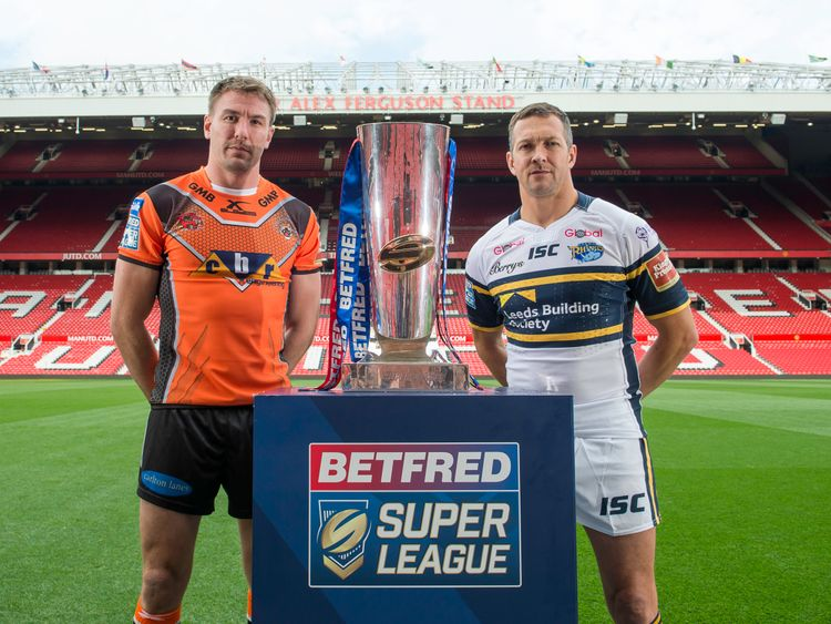Captains Michael Shenton and Danny McGuire with the Betfred Super League Trophy
