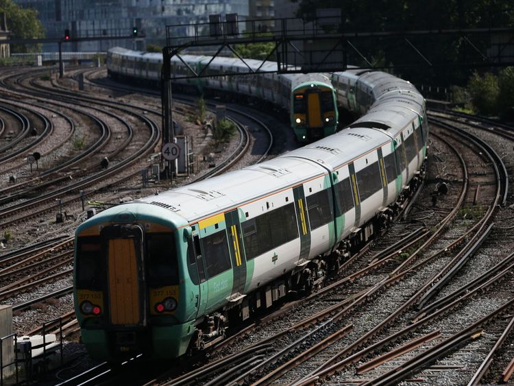 Govt partly to blame for rail fiasco - watchdog