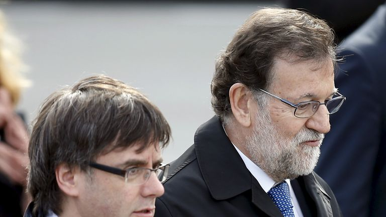 Mariano Rajoy (right) and Carles Puigdemont pictured last year