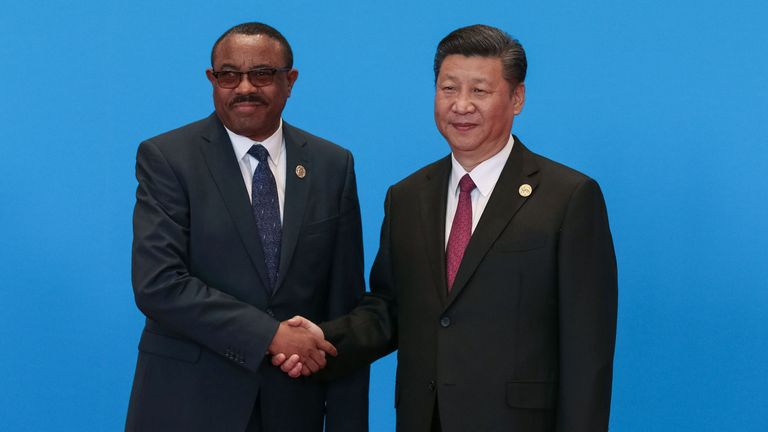 hina's President Xi Jinping (R) shakes hands with Ethiopia's Prime Minister Hailemariam Desalegn during the welcome ceremony for the Belt and Road Forum, at the International Conference Center in Yanqi Lake, north of Beijing, on May 15, 2017