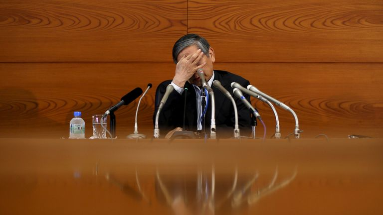 Although Mr Kuroda's face was mostly neutral, he sometimes betrayed emotion