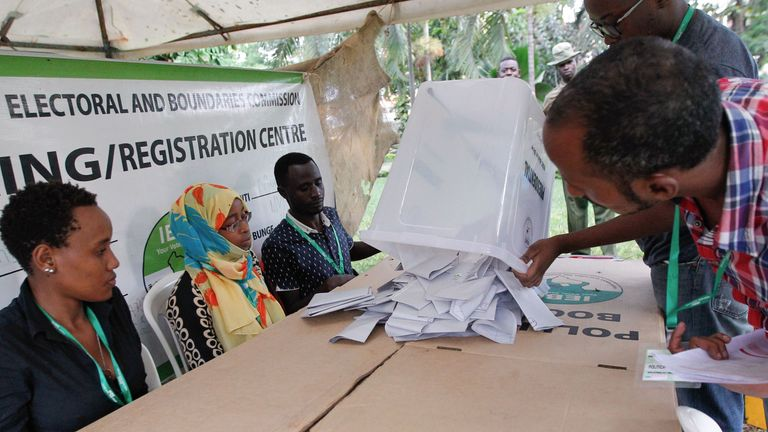 Officials are about to count ballots at a polling station in Mombasa on October 26, 2017. Kenyans began voting today in a repeat election that has polarised the nation and is likely to be fiercely disputed in the absence of opposition leader, who is boycotting the vote. / AFP PHOTO / Cyril Villemain (Photo credit should read CYRIL VILLEMAIN/AFP/Getty Images)