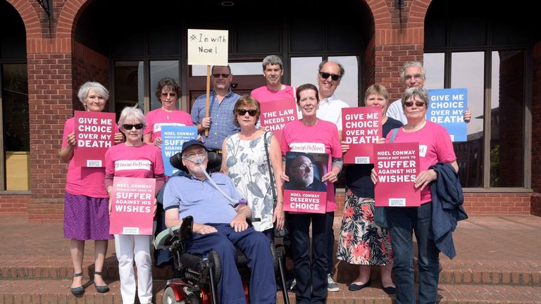Noel with Carol and local supporters, Telford County Court, July 2017