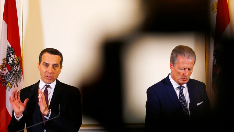Divisions had grown between Christian Kern (L) and Reinhold Mitterlehner (R)