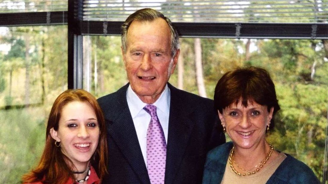 Roslyn Corrigan (L), George HW Bush (C) and Sari Young at the November 2003 event where Corrigan says Bush groped her. Courtesy Corrigan Family