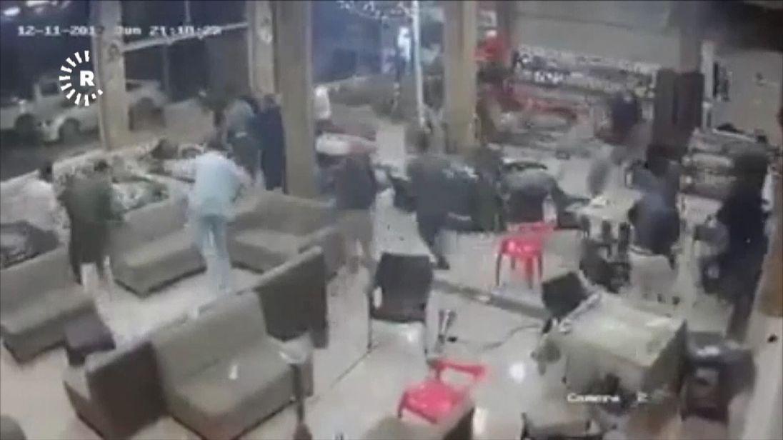More than 400 people dead in Iran-Iraq quake