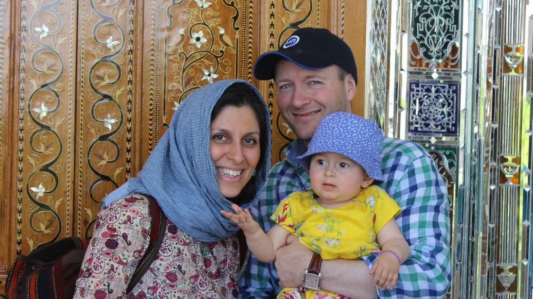 Johnson to raise jailed Briton's case in Iran