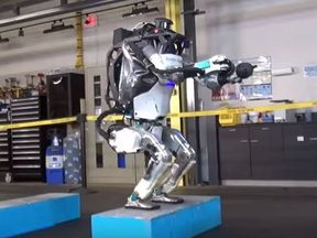 Boston Dynamics' Atlas robot demonstrates its athleticism