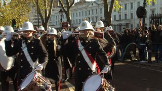Royal Navy perform Changing the Guard ceremony for first time - Sky rushes