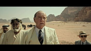 Kevin Spacey in a trailer for Ridley Scott's new movie, before he was cut