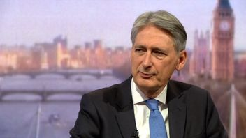 Philip Hammond has said thanks to Government job creation 'there are no unemployed people' in Britain