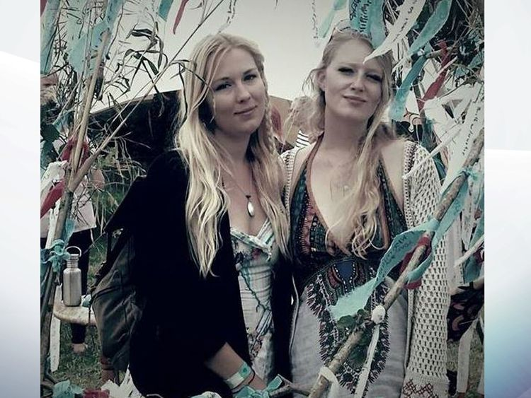 Gaia Pope (R) with her cousin, Marienna Pope-Weidemann. Pic: Facebook / Marienna Pope-Weidemann