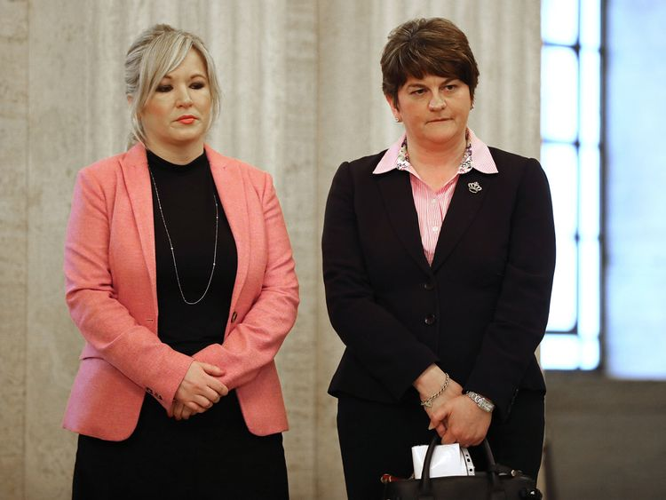 €13k salary cut for N Ireland politicians amid deadlock