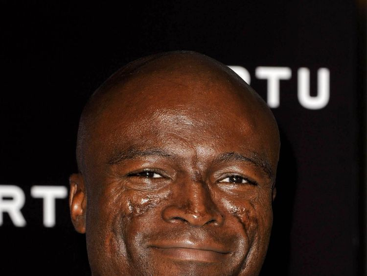 """Seal will """"duet"""" with Sinatra on the track"""