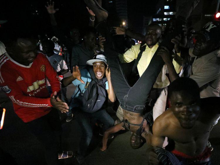 Mugabe successor on his way back to Zimbabwe