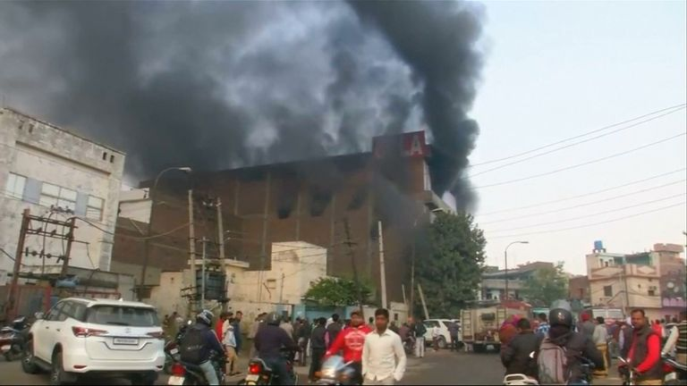The plastics factory caught fire and collapsed