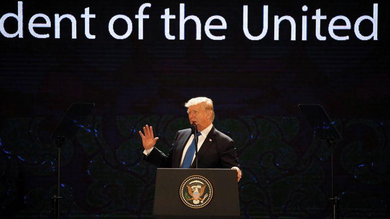 Mr Trump addresses the APEC summit in Vietname