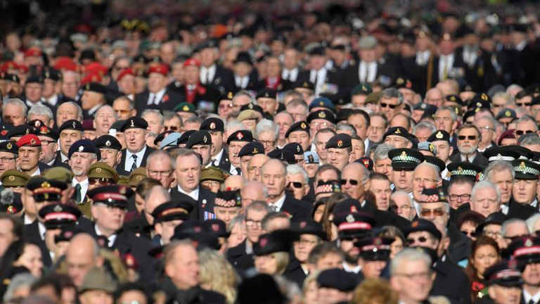 RTS1JKRB12 Nov. 2017London, United KingdomHundreds of veterans stand in silence in Whitehall during the Remembrance Sunday Cenotaph service in London, Britain, November 12, 2017