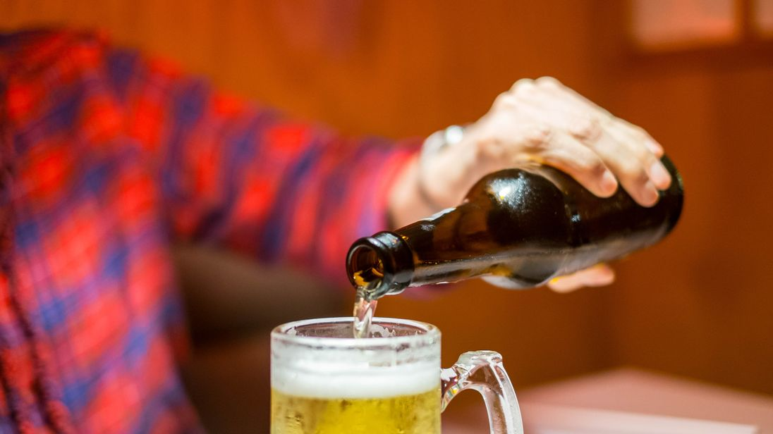 There is 'little evidence' to suggest exposing children to alcohol stops dangerous drinking