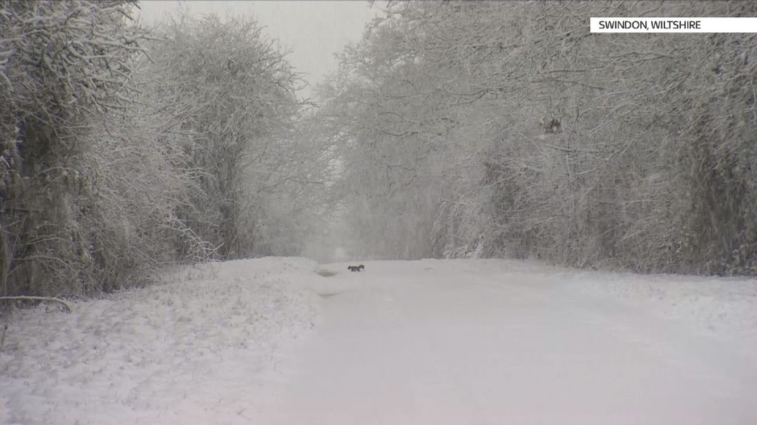 Big snowfalls bring travel chaos across the UK
