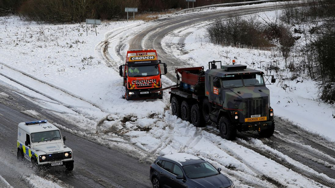 Snow hits flights from Stansted and Luton