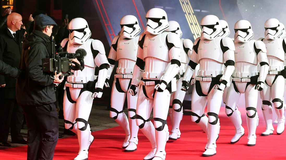 The Last Jedi earns $450m in opening weekend