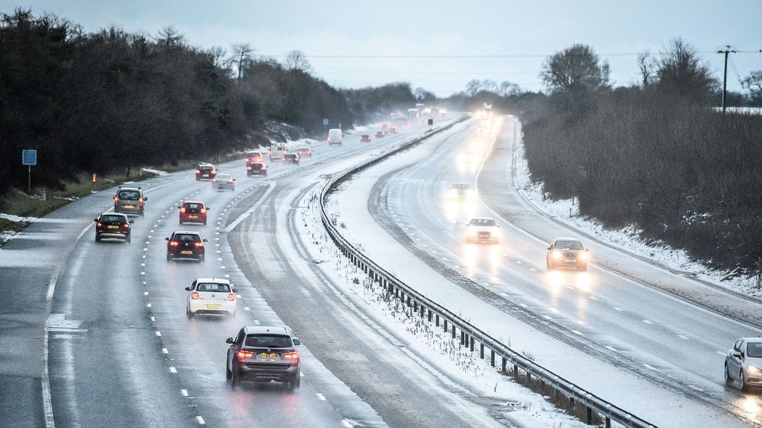 Yellow weather warning issued by Met Office for snow and ice