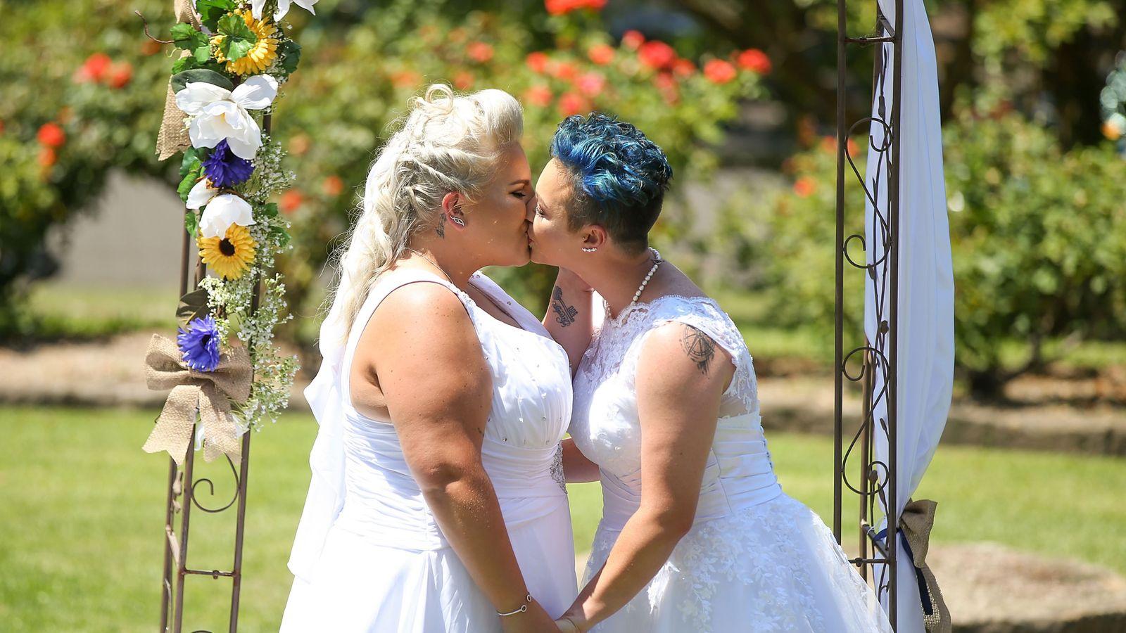Online lesbian sex stories in Sydney