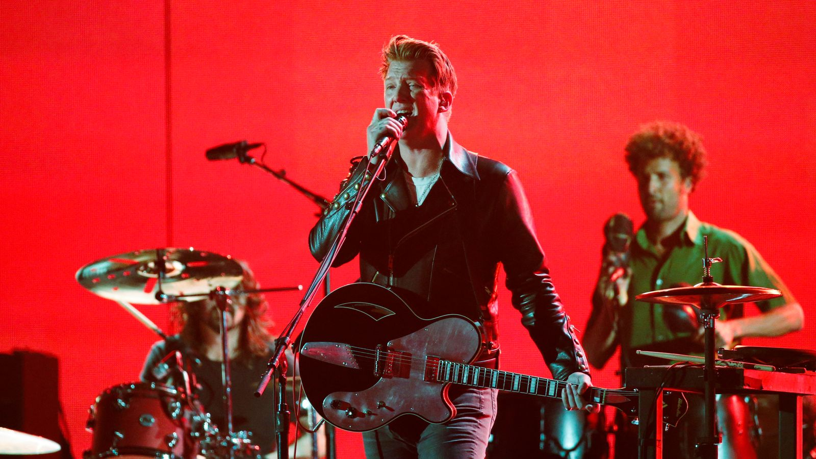 Josh Homme apologises for kicking snapper