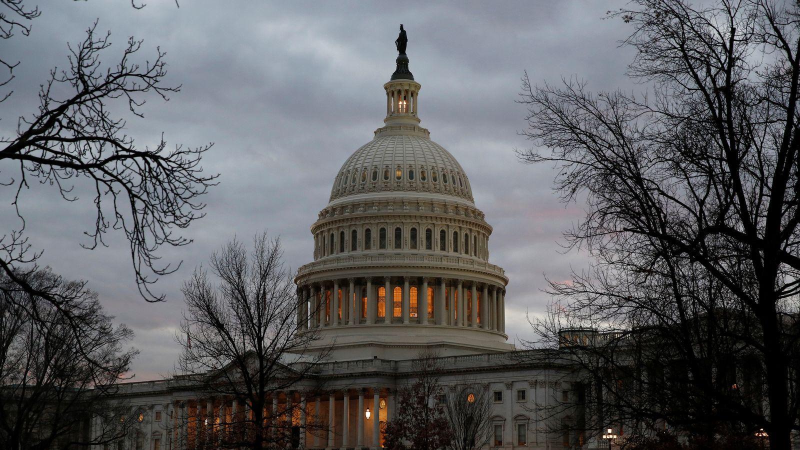 Fresh vote due as US govt shuts down again