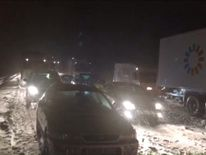 Early morning tailbacks after an accident closes the M1 in Leicestershire