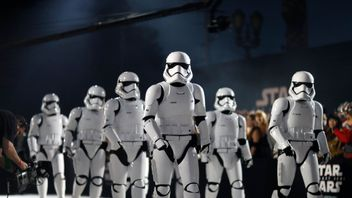 Stormtroopers marched onto the red carpet in LA for the Star Wars: The Last Jedi premiere