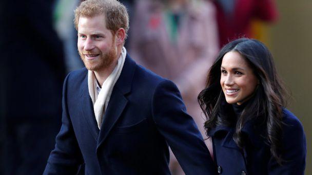 Police investigate 'substance' sent to Royals